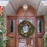 Holiday Lighting And Decorating
